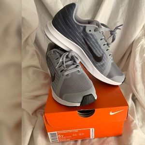 Nike Downshifter 8 Grey Sneakers (new in box)